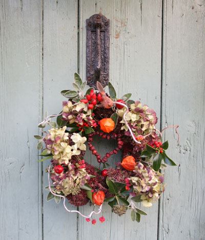 Clare's-hanging-wreath