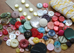 Buttons-&-lace