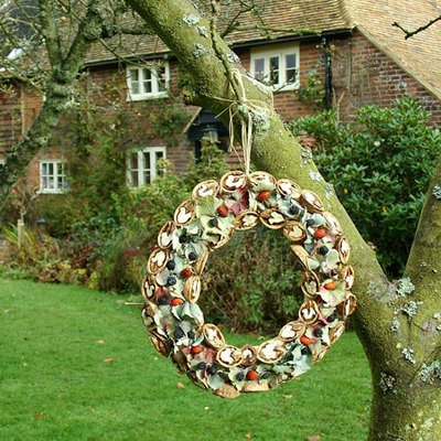Dianne taught us how to make these wreaths and they are one of the many